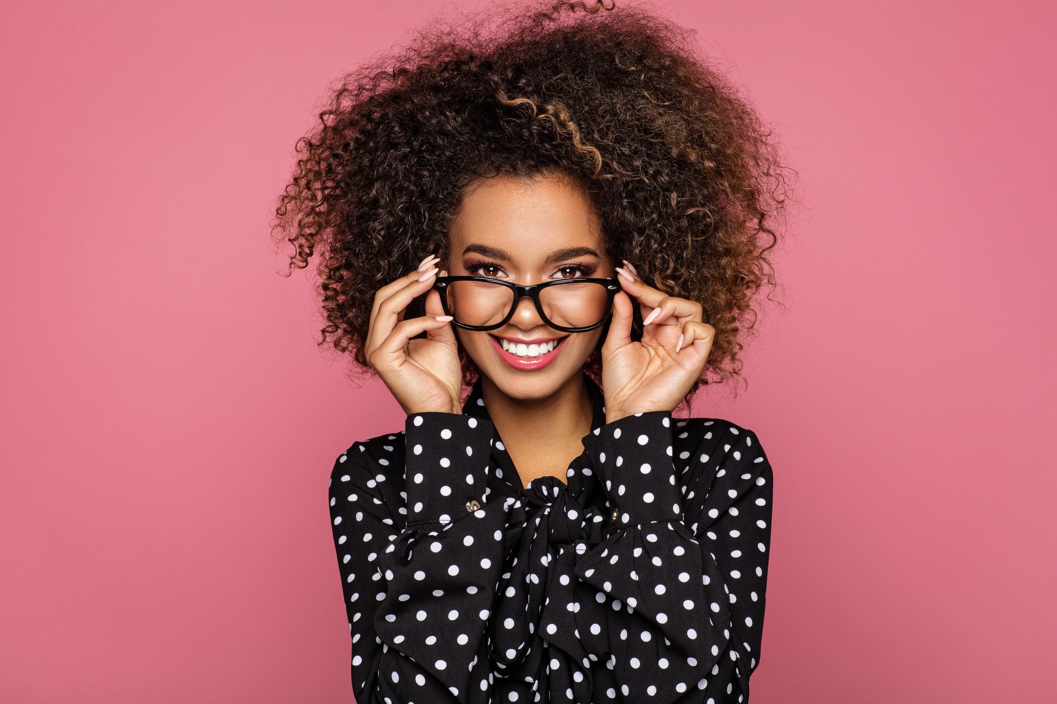 Qual modelo de óculos é ideal para o seu rosto?
