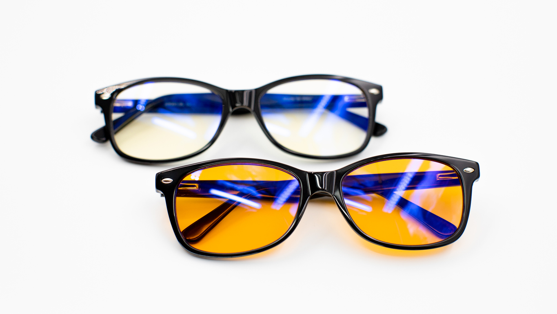 Vantagens dos óculos bloqueadores de luz azul